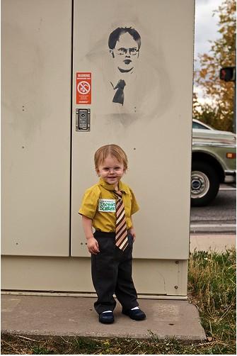 Source: http://epicpinterestfail.com/2012/10/the-most-hilarious-kids-costumes-weve-seen-on-pinterest/